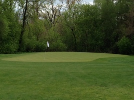 Short right of the green, there is evidence of an old bunker that will be recreated in the new Canal Shores style.
