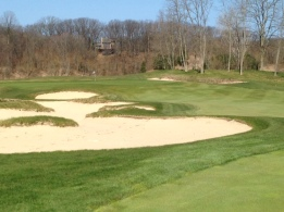 #12 - Approach over the left fairway bunkers