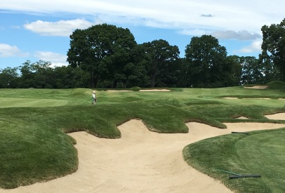 #10 - Par 4 - Wild bunkering separating the 10th from the 9th fairways