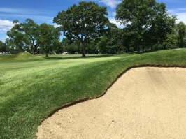 #10 - Par 4 - Short right bunker