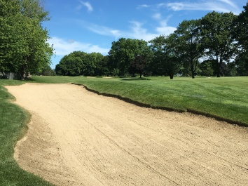 #4 - Par 4 - Bunker guarding the left side
